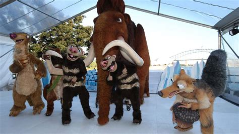 Ice Age Live! launches | photos, quiz | Newcastle Herald