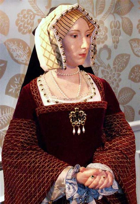 The six wives – Naergi's Costuming Site