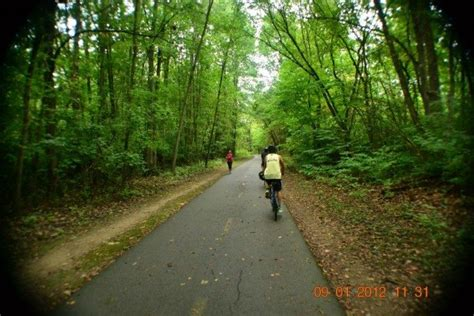 The 11 Best And Easiest Bike Trails You Can Take In Ohio