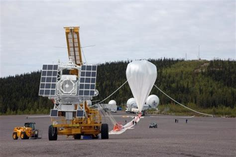Giant Swedish space balloon fizzes out: space center