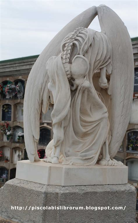 The Kiss of Death statue at the old graveyard of Poblenou