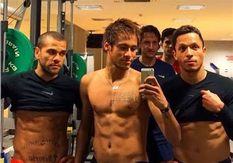 Does Neymar have six pack? - The Footballer - Latest