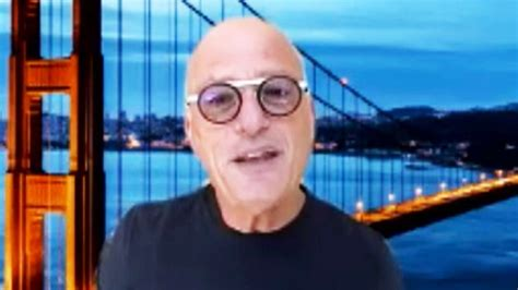 Howie Mandel Does Pantless Interview Amid Pandemic