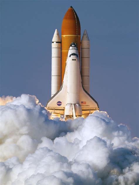 Space Shuttle Discovery: Final Flight in Pictures