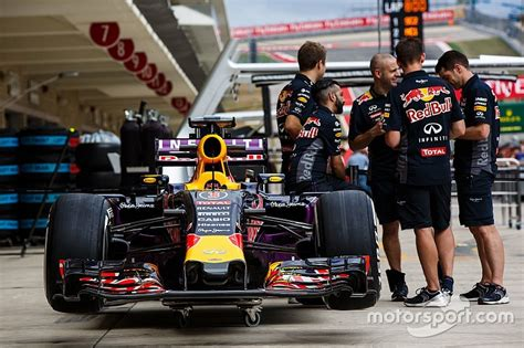 Red Bull F1 team could use Honda engines in 2016