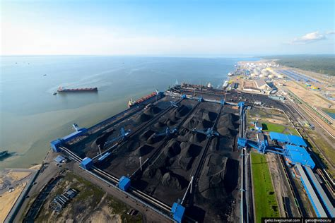 Coal terminals in the ports of East and Ust-Luga
