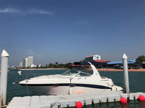 Rent a small yacht in Pattaya for 7 pax - SVENSUNTRAVEL